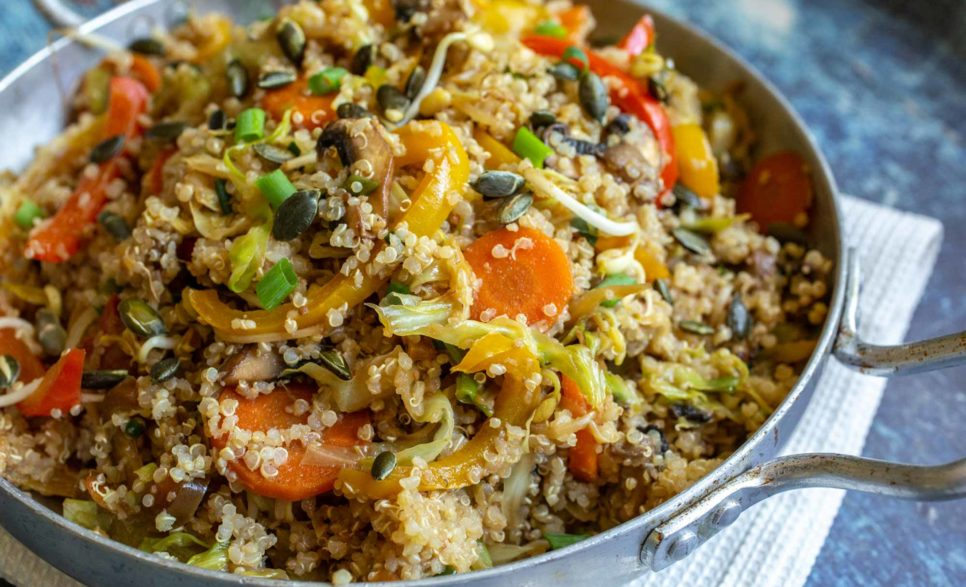 קינואה עם ירקות בסגנון אסייתי
